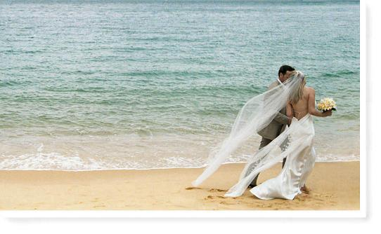 photographer from Destin that specializes in beach wedding photography